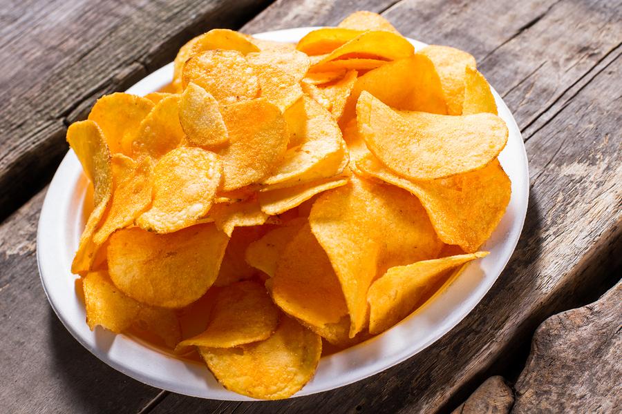 Schädliches Knabberzeug: Warum Sie auf Kartoffelchips besser verzichten