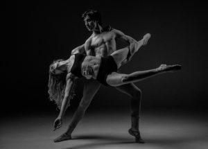 Erotischer Tanz zwischen Mann und Frau
